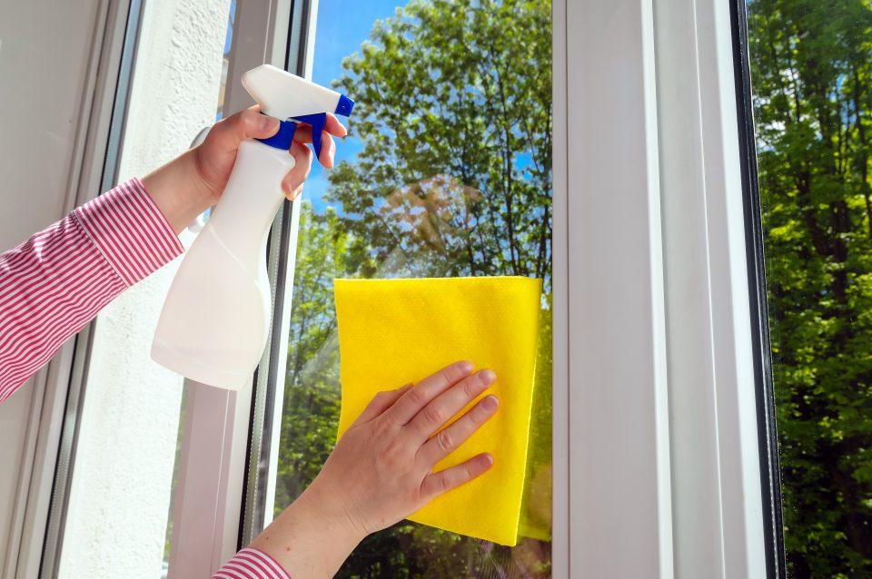 Gebäudereinigung, Fensterreinigung, Fenster putzen, Fenster sauber machen, Glasreinigung